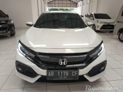 Civic Hatchback S CVT 2017